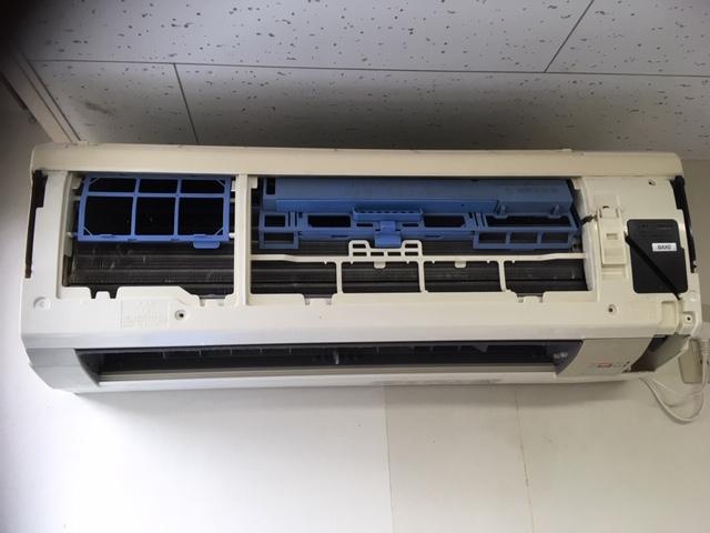 高圧洗浄機でのエアコンクリーニング